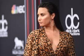 Demi Lovato Billboard Chart Demi Lovato Walks 2018 Billboard Music Awards Red Carpet