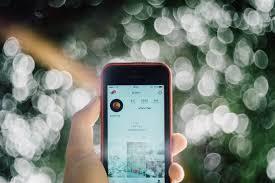 Seit sonntagmittag kämpfen user von whatsapp, instagram und facebook mit massiven störungen. Instagram Und Whatsapp Down Facebook Unternehmen Derzeit Mit Storung