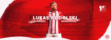 Kariyer sayfasında lukas podolski isimli futbolcunun sezon bazında takımının yer almış olduğu turnuvalardaki maç, gol, asist, sarı kart, kırmızı kart, oyuna girme, oyundan alınma. Lukas Podolski Facebook