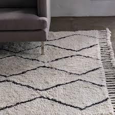 cream and grey diamond rug designs