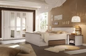 Der raumteiler besteht aus einem tabakfarbenem weidengeflecht und bringt die natürliche note in ihr wohnzimmer, schlafzimmer oder den flur. Bilder Schlafzimmer Braun Caseconrad Com