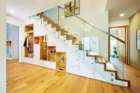 Dabei kann die treppe beispielsweise modern, klassisch oder mit orientalischem stiel realisiert werden. Treppenbau Welche Treppenarten Gibt Es Fertighaus De Ratgeber