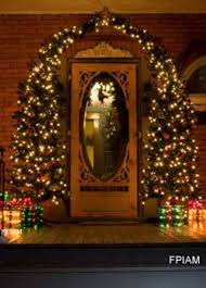 christmas front door decorationsBest 25 Christmas front doors ideas on Pinterest  Front door