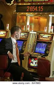 Man Vs Vending Machine Game Interesting Casino Gamble Moneygamevending Machine Man Backopinion Vending