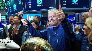 انطلاق أول رحلة سياحية إلى الفضاء وعلى متنها الملياردير البريطاني ريتشارد  برانسون - بالعربي