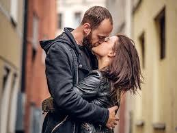 """Résultat de recherche d'images pour """"l'homme et femme s'embrasse"""""""