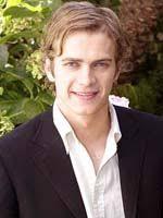 Jego ojciec David (posiadający angielskie i duńskie korzenie) jest informatykiem, a matka Alie Nelson (mająca szwedzkich i włoskich przodków) pisała ... - hayden_christensen