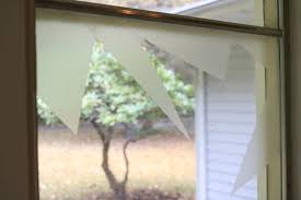 how to make it look like your windows are broken at using contact paper
