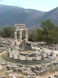 introduction to greek architecture article khan academy tholos temple sanctuary of athena pronaia 4th century b c e delphi photo kufoleto