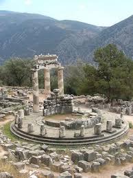 introduction to greek architecture article khan academy tholos temple sanctuary of athena pronaia 4th century b c e delphi photo kufoleto