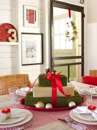 37 Christmas Centerpiece Ideas | HGTV