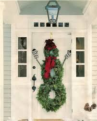 Stunning Christmas Front Door Dcor Ideas familyholiday_60