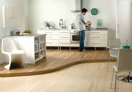 Laminate Floor For Kitchen Enjoy The Beauty Of Laminate Flooring In The Kitchen Artbynessa