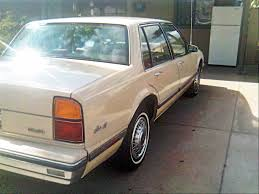 1986 Oldsmobile Delta 88 - Information and photos - MOMENTcar
