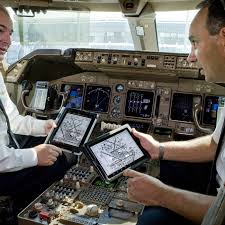 United Airlines Deploying Ipad Based Electronic Flight Bags