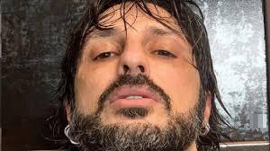 Fabrizio Corona non torna in carcere, foto e sfogo dell'ex re dei paparazzi