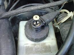 Контрольная лампа уровня тормозной жидкости vw passat b vw  контрольная лампа уровня тормозной жидкости главного тормозного цилиндра ГТЦ Фольксваген Пассат В3