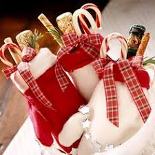 Mitten bags - If you want to send party guests home with a few goodies,  Christmas  Gift IdeasHoliday ...
