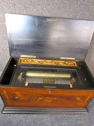 You've come to a special place, where every person is welcomed with open arms and every customer is a family member. Rare Model Antique 1890 Swiss Cylinder Music Box With Reed Organ 2 Combs Ebay Music Box Cylinder Antiques