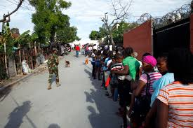 u s department of defense photo essay   n residents line up for medical services during beyond the horizon 2014 in barahona n republic 22 2014