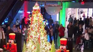 Christmas Lights Roanoke Va 2018 Roanoke City Market Building Lights Tree Kicks Off Holiday