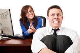 Helplavoro: colloqui di lavoro occhio al telefono e alla postura!