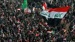 العراق: مقتل ثلاثة أشخاص على الأقل وإصابة العشرات في صدامات بين معارضي  الحكومة ومؤيدي الصدر