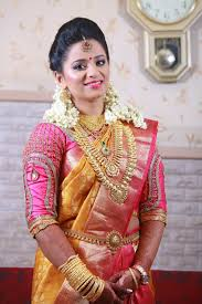 here is some photos of south indian bridal makeup and hair style