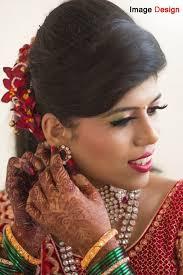 marathi bride getting ready