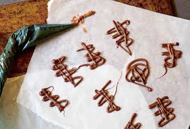 How To <b>Decorate</b> With Melted Chocolate Recipe | Leite's Culinaria