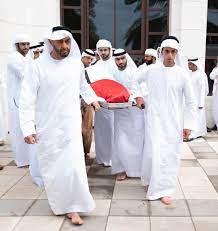 محمد بن زايد والحكام وأولياء العهود يؤدون صلاة الجنازة على جثمان سلطان بن  زايد