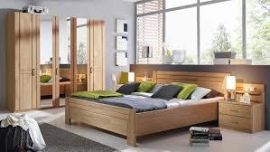 Schlafzimmer Sitara Schrank Bett Kommode Wildeiche Natur Teilmassiv