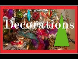 Garlands, Ribbons and Bows on a Christmas Tree | Christmas Decorating -  YouTube