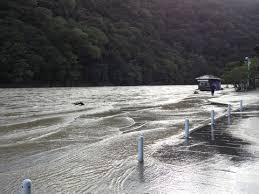台風18号で増水 鴨川と嵐山渡月橋の様子 ウィンドミルの京都ブログ