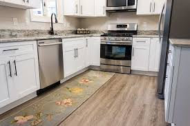 pros and cons of vinyl plank flooring