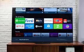 Nên mua Smart TV của hãng nào? Hay là mua TV thường rồi gắn TV Box vào?