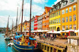 Coronavirus, la Danimarca dice basta alle restrizioni anti-contagio:  «L'epidemia è sotto controllo» - Open