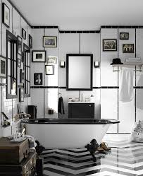 UsedclawfoottubBathroomVictorianwithbathroomwindowclaw - Clawfoot tub bathroom