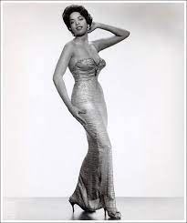 della reese was born on july 6 1931 in detroit | African american fashion,  Celebrities, Della reese