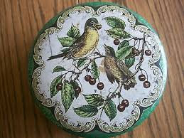 Daher Decorated Ware 11101 Tray VINTAGE DAHER DECORATED WARE 100 METAL BUTTERFLIES TRAY 100 100100 x 100 96