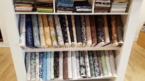 The Quilter's Trunk – Chicago's New Top-Drawer Quilting Store ... & this store stock projects and fabrics that show off Chicago. Adamdwight.com