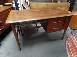 mid century modern desk from the acclaim collection by lane furniture