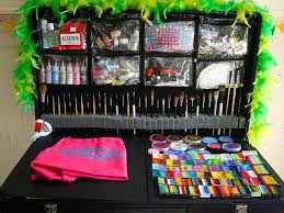 the craft n go paint station is a professional portable face painting kit which is excellent for the on the go face painter this paint station is perfect