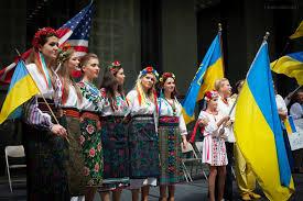 chicagoans raised ukrainian flag over daley plaza to celebrate ukraine