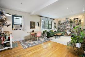 78 10 34th avenue 2h jackson heights