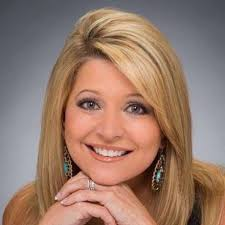 in full makeup this is how viewers see leslie mouton on ksat tv