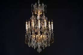 Französischer Silberner Kristallkronleuchter Mit 21 Lichtpunkten