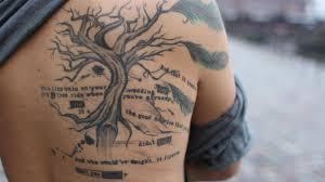 Tattoos Bei Frauen Und Männern Was War Die Idee Für Sprüche Und