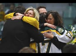 Canada town's arena focus of mourning after crash kills 15 - Chicago ...
