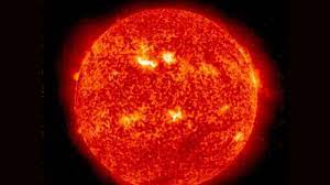Solar wind enveloped Earth, phenomenon ...